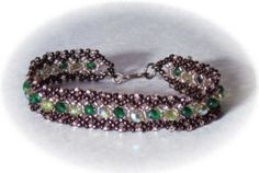 Bracelet and necklace tutorial. It uses both R.A.W. (Right Angle Weave) and netting.  1 main technique to make 3+ different styles.  Includes recommendations for thread and needle sizes!!