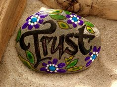 Confianza / Painted Rock / Sandi Lucio Foundas / Cape Cod