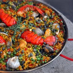 Beautiful Spanish Paella... for the rest of the family... not for myself... unless I want to DIE!!!