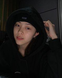 Kpop Girl Groups, Korean Girl Groups, Kpop Girls, Pusheen, My Girl, Cool Girl, Jin Icons, Thing 1, Kpop Aesthetic