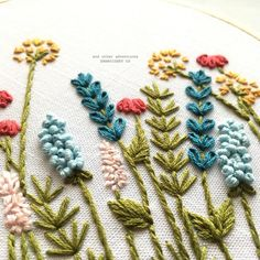 My Bright Summer Meadow hand embroidery pattern has me craving all the bright colors of summer time. I can't wait to teach you how to make this beautiful floral embroidery hoop. Hand Embroidery Patterns Free, Embroidery Stitches Tutorial, Embroidery Flowers Pattern, Embroidery Hoop Art, Ribbon Embroidery, Embroidered Flowers, Embroidery Ideas, Simple Embroidery Designs, Beginner Embroidery