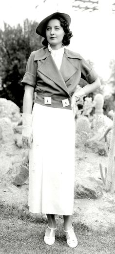 Barbara Stanwyck 1930s - look at those buttons!