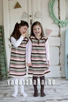 MOKI vadász kötött lány ruha. Barna-keki-rózsaszín-fehér csíkos 3a10fc8925