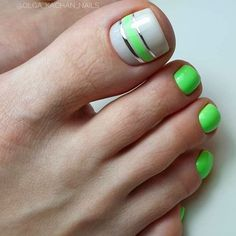 Over 50 Incredible Toe Nail Designs for Your Perfect Feet – sherwooddelapena Toe Designs, Pedicure Designs, Pedicure Nail Art, Toe Nail Designs Summer, Striped Nail Designs, Manicure Ideas, Toe Nail Color, Toe Nail Art, Nail Colors