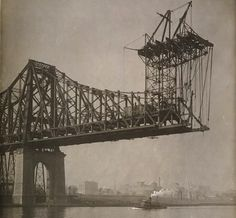 New York City: The Queensboro Bridge under construction, 1905 New York City, Old Pictures, Old Photos, Vintage Photos, Queens New York, Vintage Architecture, Ny Ny, Vintage New York, Places