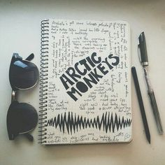 Afbeelding via We Heart It #arcticmonkeys #awesome #beautiful #boho #cool #cute #draw #glasses #grunge #hipster #music #notebook #photography #pics #picture #show #songs #vintage #articmonkeys
