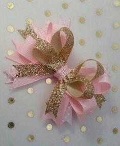 Pink and Gold bows Princess party photo prop headband Ribbon Hair Bows, Diy Hair Bows, Diy Bow, Baby Headbands, Boutique Bows, Rose Gold, Pink And Gold, Diy Fest, Make Bows