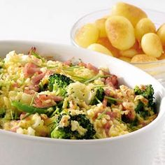 Bloemkool-broccolischotel met ham en kaas Cauliflower & brocolli with ham and cheese. Broccoli Dishes, Potato Dishes, Easy Cooking, Cooking Recipes, Healthy Recipes, Healthy Food, Parmesan Roasted Cauliflower, Cauliflower Cheese, Scampi Recipe