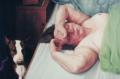 Liggende vrouw met hond Reclining woman with dog, 60 x 90 cm, oil on canvas, 1996.