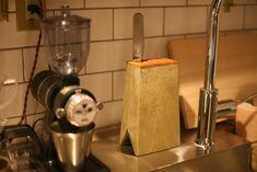 FUTAGAMI - 包丁立て 全国送料無料   職人.com Futagami, Kitchen Tools, Kitchen Appliances, French Press, Robin, Coffee Maker, Diy Kitchen Appliances, Diy Kitchen Appliances, Coffee Maker Machine