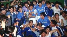 Finale Coppa Uefa Stoccarda – Napoli, Life is life e Maradona Maradona Football, Diego Armando, Fc Porto, Transfer Window, Soccer Shirts, Europa League, Football Team, Premier League, Competition