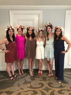 Silk Flower Crowns for a Girly Bachelorette Activity for a Charleston Bride Tribe. Learn how to make silk flower crowns for your bachelorette party activity. Bachelorette Party Activities, Bachelorette Party Planning, Bachelorette Weekend, Bachelorette Itinerary, Charleston Things To Do, Crown Party, Flower Crowns, Floral Crown, Silk Flowers