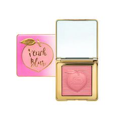 The Too Faced Peach Blur all-over finishing powder gives the illusion of perfect skin with advanced optical correcting spheres that help smooth harsh lines and blur imperfections. Too Faced Skin Makeup, Makeup Brushes, Beauty Makeup, Drugstore Beauty, Glam Makeup, Makeup Geek, Maquiagem Too Faced, Too Faced Peach, Too Faced Blush