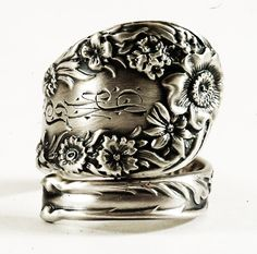 Hey, I found this really awesome Etsy listing at https://www.etsy.com/listing/226379720/wild-flower-floral-sterling-silver-spoon