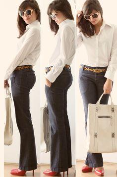 Look book: Social branca, jeans, cintinho de oncinha e sapato vermelho!