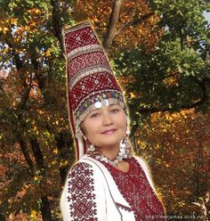 russian nation formed from two ethnics  groups--Slavs and Merja. Presently already impossible define who there is who , this  ethnography will show  to us.Woman's headdress-inheritance of the Merja    modern Merja - a relatives of the russians