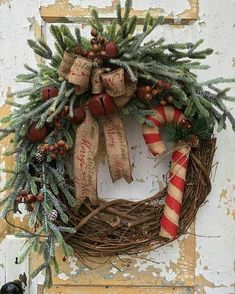 100 Rustic Christmas Decor Ideas that Brings Back The Traditional Festive Vibe I. - 100 Rustic Christmas Decor Ideas that Brings Back The Traditional Festive Vibe In Your Home - Christmas Wreaths For Front Door, Christmas Door Decorations, Prim Christmas, Holiday Wreaths, Christmas Holidays, Christmas Ornaments, Country Christmas, Christmas Trees, Christmas Island