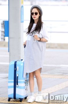 Song Ji Hyo at Incheon airport heading to Hawaii for photoshoot, May 2016. © on pic