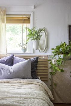 Bonnie Christine - bedroom and savvy rest mattress