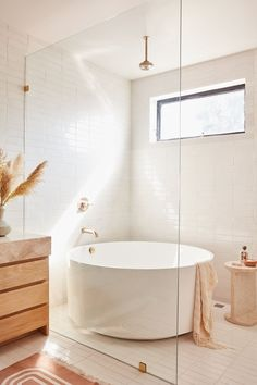 shower and the bathtub merge - bath tub shower merge - . - Bad inspiration The shower and the bathtub merge - bath tub shower merge - . - Bad inspiration - The shower and the bathtub merge - bath tub shower merge - . Modern Bathroom Design, Bathroom Interior Design, Minimal Bathroom, Neutral Bathroom, Boho Bathroom, Bath Design, Interior Modern, Luxury Interior, New Bathroom Designs