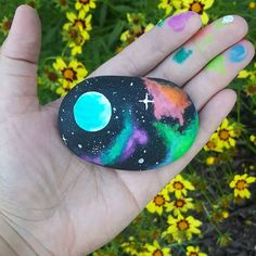 Painting, pebble art, rock painting ideas for kids, galaxy projects, galaxy c Pebble Painting, Pebble Art, Stone Painting, Heart Painting, Vbs Crafts, Rock Crafts, Rock Painting Designs, Paint Designs, Galaxy Crafts
