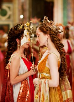 Joanne Whalley & Lotte Verbeek in 'The Borgias' (2011).
