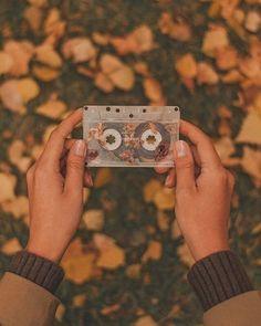 Yellow Aesthetic Pastel, Orange Aesthetic, Aesthetic Vintage, Aesthetic Backgrounds, Aesthetic Iphone Wallpaper, Aesthetic Wallpapers, Autumn Photography, Halloween Photography, Photography Ideas
