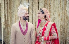 May Meet the newly wed couple, Sonam Kapoor and Anand Ahuja. are just aww-dorable❤️ Sonam Kapoor's Wedding, Indian Wedding Jewellery, Indian Groom. Indian Groom, South Indian Bride, Indian Bridal, Wedding Looks, Bridal Looks, Wedding Pics, Wedding Trends, Wedding Ideas, Wedding Album