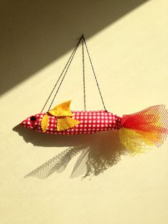 Decorative fish  Pesce decorativo di TinyPollysBox su Etsy