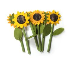 Felt and Textile Sunflower, Fabric Veggies, Textile Flowers, For Kids, Small Gardener, Small Seller, Pretend Food, Yellow Brown, Play Food  1 sunflower sewn of felt and textile, perfect for pretend play garden, market or simply food collection Size: about 2.4 (6 cm) or so across  Children like textile and felt toys very much! These toys are so nice and soft, they have beautiful colors. You can wash them if necessary.  Made in a smoke free house.  Ready to ship.  Please check dimensions…
