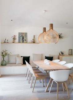 Get inspired by these dining room decor ideas! From dining room furniture ideas, dining room lighting inspirations and the best dining room decor inspirations, you'll find everything here! Küchen Design, House Design, Design Ideas, Design Blogs, Loft Design, Modern Design, Dining Room Inspiration, Design Inspiration, Dining Room Design
