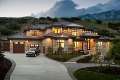 Luxury Homes Exterior Design. If you think that your house needs a facelift on the outside, you've come to the right place. Luxury Homes Exterior, Luxury Homes Dream Houses, Dream House Exterior, Exterior Design, Dream Homes, Large Homes Exterior, Dream Home Design, House Design, Dream Mansion