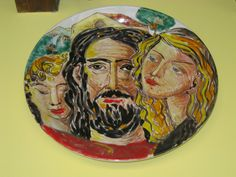 Piatto in ceramica. Volti e paesaggio.  Contatto: micheleboscia89@gmail.com  #art #sicily #sicilia #ceramica #ceramic #volti #piatto #piattoinceramica