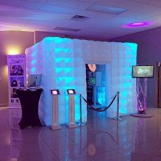 The Inflatable LED Photo Booth brings fun to any party. Wow your guest with that extra touch at an affordable price. LED lights are built into the inflatable photo booth to suit its surroundings. Wedding Photo Booth Hire, Prom Photo Booth, Photo Booths, Picture Booth, Inflatable Photo Booth, Portable Photo Booth, Sweet 16 Photos, Lead Change, Glow Party