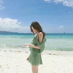 Just a bunch of imagines and scenarios *book Ulzzang Korean Girl, Cute Korean Girl, Asian Girl, Korean Fashion Trends, Asian Fashion, Girl Fashion, Girl Beach Pictures, Korean Best Friends, Cute Skirt Outfits