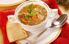 L'acquacotta è un piatto tipico della tradizione gastronomica maremmana. Viene preparato con ingredienti semplici e genuini rigorosamente di stagione.