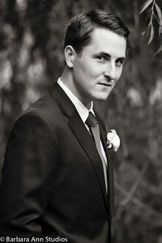 www.barbara-ann-studios.com #wedding #groom #WeddingPortrait #Strathmere #Ottawa