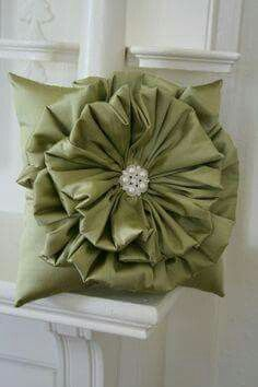Olive Green Ruffle Flower Pillow by SweetBiscuitPandP on Etsy Sewing Pillows, Diy Pillows, Custom Pillows, Decorative Pillows, Throw Pillows, Sewing Crafts, Sewing Projects, Projects To Try, Flower Pillow
