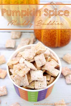 Celebrate Fall with this easy to make and utterly delicious, Pumpkin Spice Muddy Buddies recipe! #fall #muddybuddies #puppychow #snacks