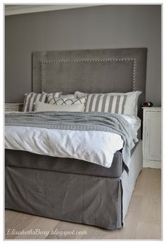 DIY: Sengekappe uten å sy et sting Black Upholstered Headboard, Headboard Ideas, Head Boards, Diy Bed, Next At Home, Diy Furniture, Master Bedroom, Diy Projects, Inspiration