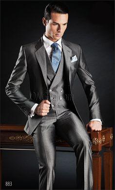 New Arrival Two Button Grey Groom Tuxedos Groomsmen Men's Wedding Prom Suits Custom Made (Jacket+Pants+Vest+Tie) Wedding Suit Styles, Grey Suit Wedding, Wedding Men, Sharp Dressed Man, Well Dressed Men, Combat Pants, Vest And Tie, Groom Tuxedo, Hommes Sexy