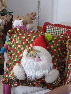 COJIN NAVIDEÑO Christmas Deco, Christmas 2016, Xmas, Christmas Ornaments, Christmas Cushion Covers, Christmas Cushions, How To Make Ornaments, Gingerbread, Lily
