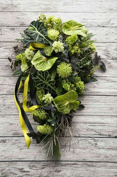 Grave Flowers, Funeral Flowers, Wedding Flowers, Arrangements Funéraires, Funeral Arrangements, Cemetery Decorations, Casket Sprays, Funeral Tributes, Memorial Flowers