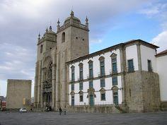 Sé ou Catedral do Porto com a Antiga Casa da Câmara ao fundo.  Fotografia: Manuel de Sousa.