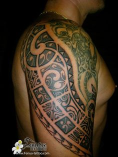 http://www.fenua-tattoo.com/sites/all/themes/tatouage/galerie tatouage polynesien bras epaule/images/tatouage polynesien epaule  tatoueur pierre martinez tahiti tattoo var entre toulon et marseille paris.jpg