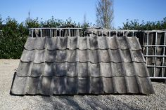 You can see the 'Oude Holle' roof tiles in the Netherlands on many roofs. Architectural Antiques, Architectural Elements, Reclaimed Building Materials, Roof Tiles, Smart House, Architecture, Netherlands, Om, Construction Materials