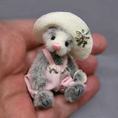 Needle Felted Animals, Felt Animals, Needle Felting, Felt Fairy, Cute Bears, Felt Dolls, New Toys, Teddy Bears, Stuffed Animals