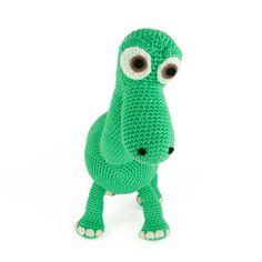 Meet Arlo! Arlo is one of the main characters of the Disney movie 'The Good Dinosaur'. Do you have (grand)children who love dinosaurs? I think this will make a great Christmas gift ;) The amigurumi will be about 25 cm high. Pattern is available in:  Translations: Iratxe Ocariz (ES), Claudia Rymkuß (DE), Kim Ackermann (FR), Jette Klemmensen (DK), Calina Grando (PT),Hande Yıldız (TR)