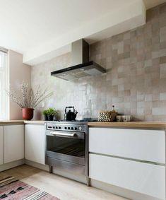 Kitchen Tiles, Kitchen Decor, Kitchen Cabinets, Ikea Baby Nursery, New Kitchen Designs, Professional Kitchen, Interior Styling, Kitchen Remodel, Home Decor