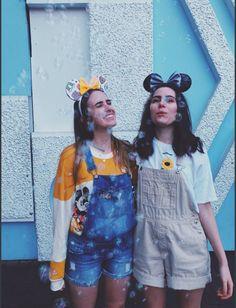 Dodie in Disney style Disneyland Outfits, Disneyland Trip, Disney Outfits, Disney Trips, Disney Fashion, Disney Parks, Estilo Disney, Dodie Clark, Bff Goals